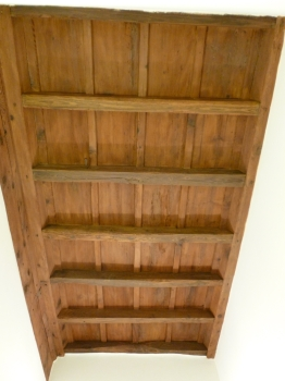 Restauro soffitto a cassettoni di un appartamento privato. Soffitto ingresso.